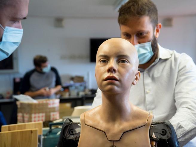 robot-adolescente