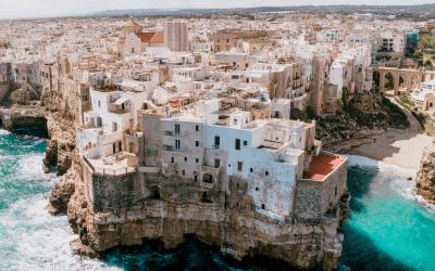 Vacanze 2021: online si cerca l'Umbria ma si va in Puglia